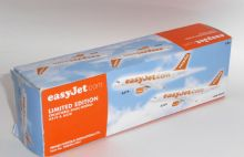 Airbus A319 & A320 Easyjet Airline Twin Set Collectors Models Scale 1:200 P